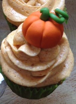 Gluten and dairy free pumpkin spice cupcakes