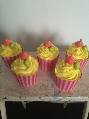 Lemon Easter mini cakes