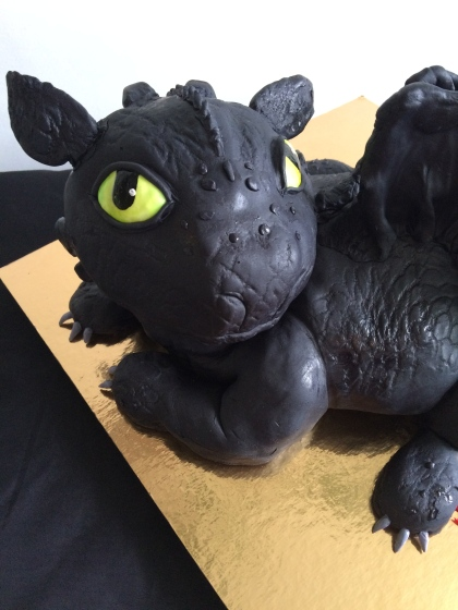 Toothless, the dragon cake, from how to train your dragon movie