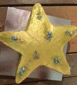 Gold star Birthday cake