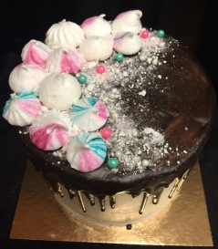 Meringue kisses cake