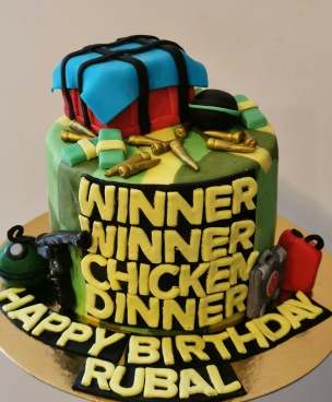 Minecraft cake with hand made fondant details